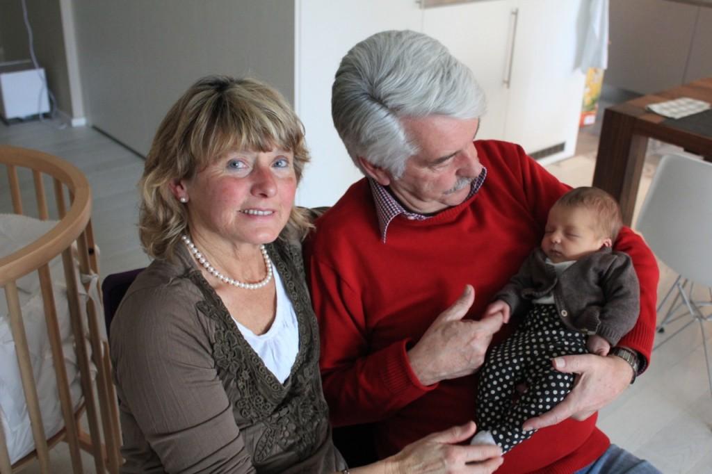 Oma, Opa und Elina