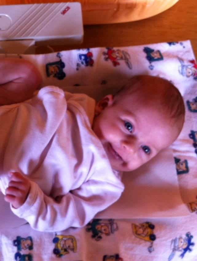 Elina mit 7 Wochen, 2 Tagen und 4090 g