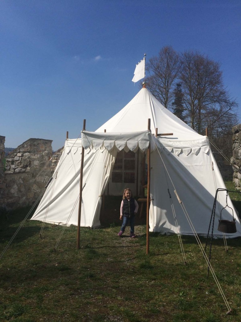 Meine Burg, mein Zelt